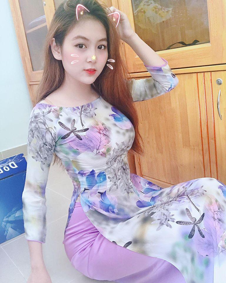 Cô gái xinh như mộng này tên Trần Thị Nam Trân, hiện là sinh viên năm 4 ngành giáo dục tiểu học của trường Đại học Sư phạm TP.HCM.