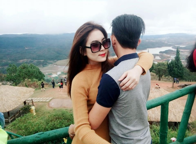 Nam Trần có mối tình đẹp 7 năm qua bất chấp nhiều lời dị nghị và lời chê bai bạn trai cô.