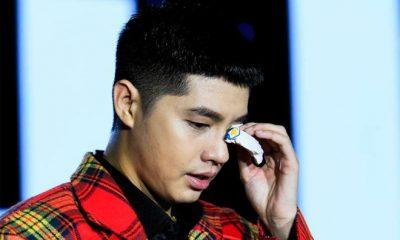 Nam ca sĩ lần hiếm hoi yếu đuối, rơi nước mắt khi tâm sự về chuỗi ngày khó khăn và được fan ở bên ủng hộ.