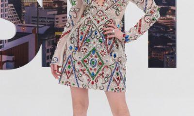 Mẫu váy từng được Hà Hồ diện. Cách phối phụ kiện của ca sĩ cầu kỳ hơn