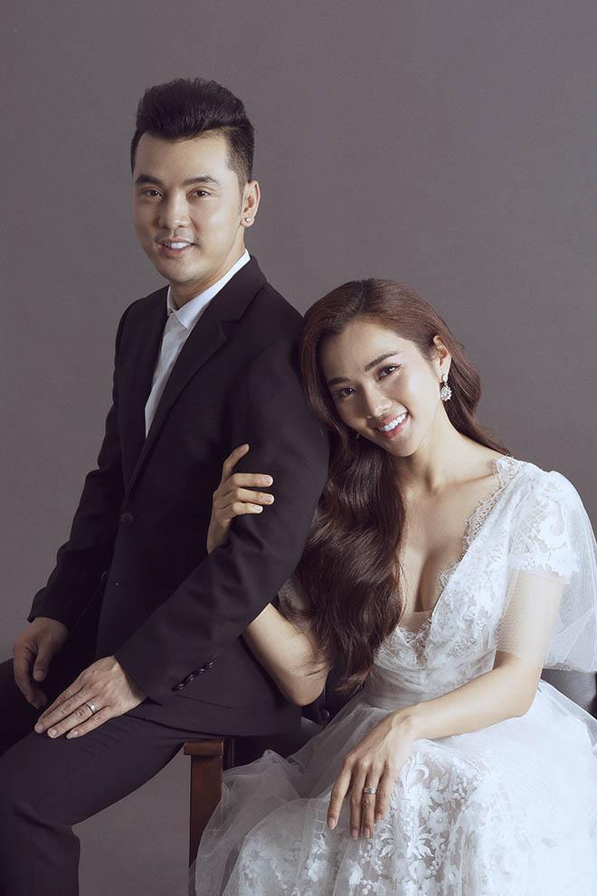 Kim Cương lui về chăm sóc gia đình và là hậu phương vững chắc cho chồng.
