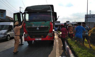 Hiện trường vụ tai nạn nghiêm trọng khiến 1 người tử vong tại chỗ - Ảnh: Lê Lang