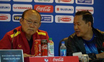 HLV Park Hang-seo khuyên Công Phượng phải cố gắng hoàn thành mọi yêu cầu chiến thuật của HLV Incheon United nếu muốn thành công tại K.League. Ảnh: Cao Oanh