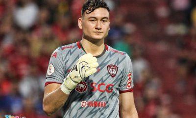 Văn Lâm phải nhận 2 bàn thua trong trận đấu với Ratchaburi. Ảnh: Quang Thịnh.