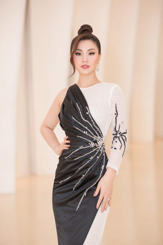 Sự kiện còn có sự góp mặt của dàn người đẹp: Á hậu Diễm Trang.