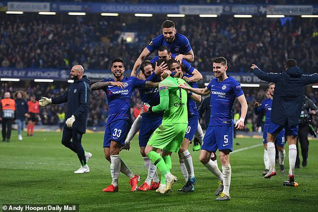 Bóng đá Anh lập kỷ lục