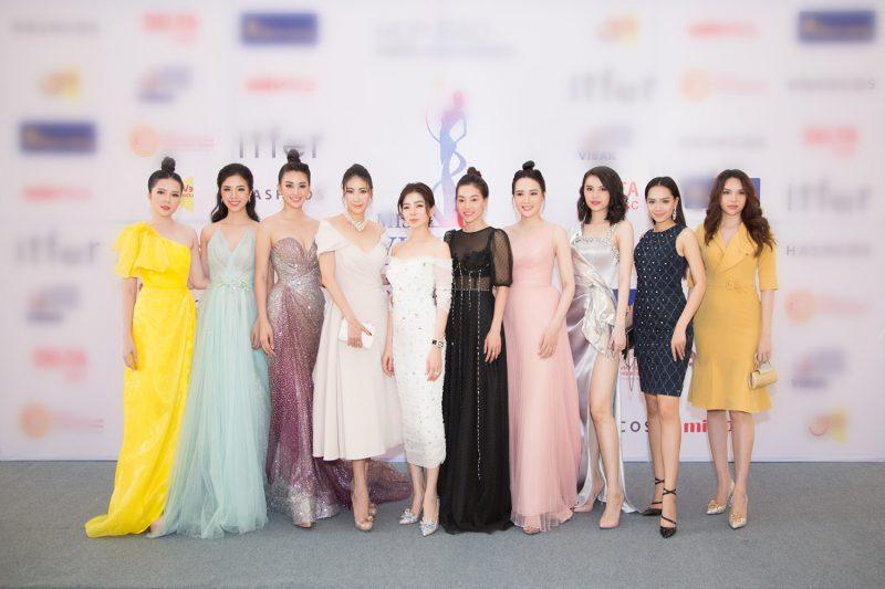 Bà trùm hoa hậu Phạm Thị Kim Dùng cùng dàn sao Việt