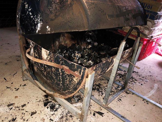 Lò nướng thịt mà đối tượng dùng để đốt xác vợ