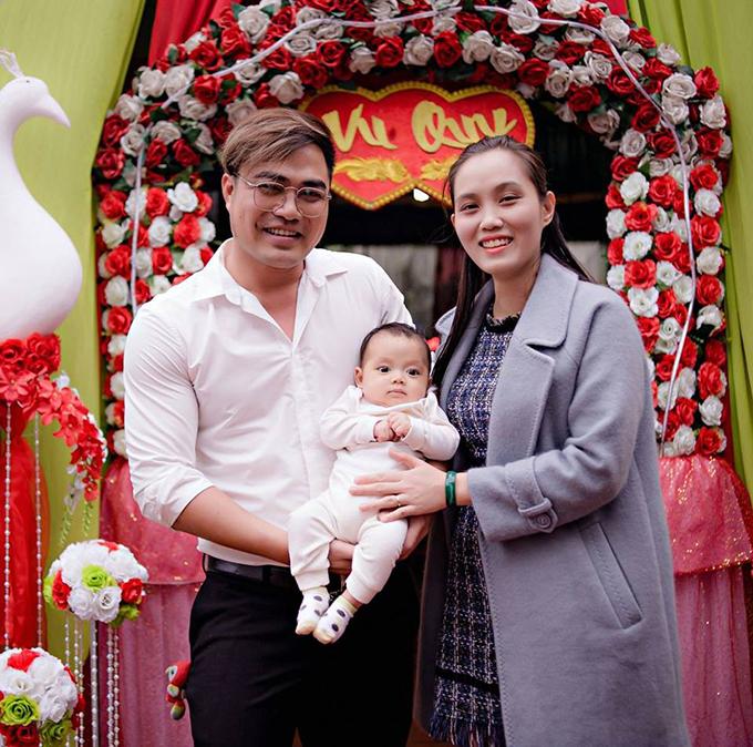 Gia đình của Trọng Hùng ngoài đời.