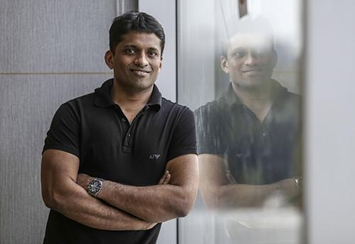 Nhà sáng lập kiêm CEO Think & Learn - Byju Raveendran. Ảnh: Bloomberg