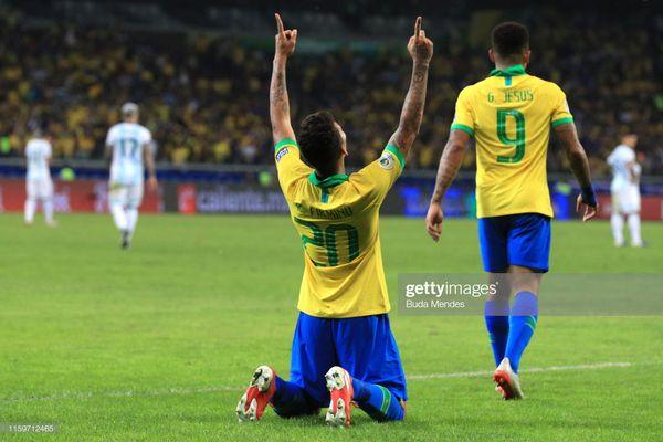 Firmino ghi bàn mở tỉ số trận đấu.