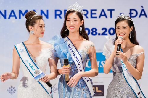 Từ trái qua: Tường San (Á hậu 2), Thùy Linh (Hoa hậu), Kiều Loan (Á hậu 1).