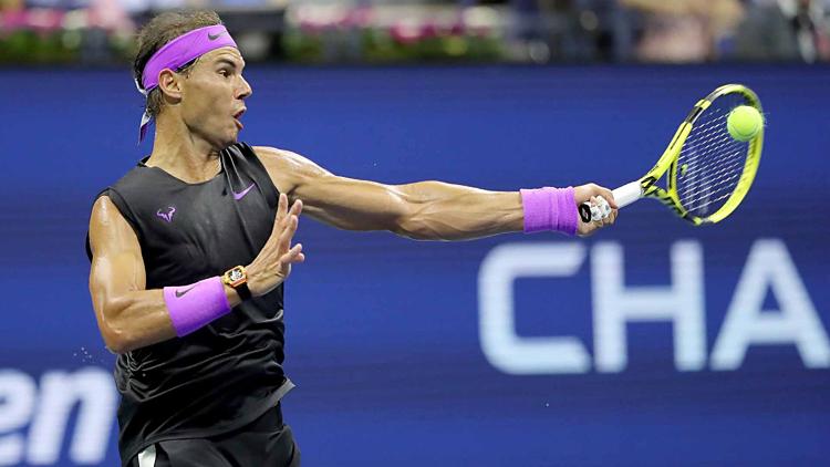 Trong trận đấu dài hai tiếng 46 phút, Nadal thắng bảy game đỡ bóng, ghi 35 điểm winner, trong đó có năm cú ace và mắc 39 lỗi tự đánh hỏng, còn ở Schwartzman lần lượt là 26 điểm và 37 lỗi tương tự. Ảnh: ATP.