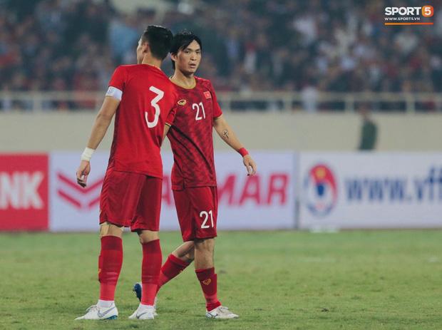 Rất may, Tuấn Anh vẫn có thể đứng dậy và tiếp tục thi đấu. Chung cuộc, tuyển Việt Nam chiến thắng với tỉ số 1-0.