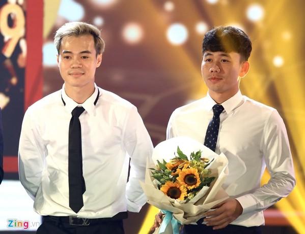 Minh Vương, Văn Toàn cũng được vinh danh tại buổi lễ.