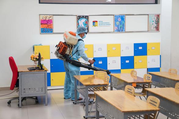 Sở GD-ĐT TP.HCM kiến nghị cho học sinh đi học lại từ 17-2 - Ảnh 1.