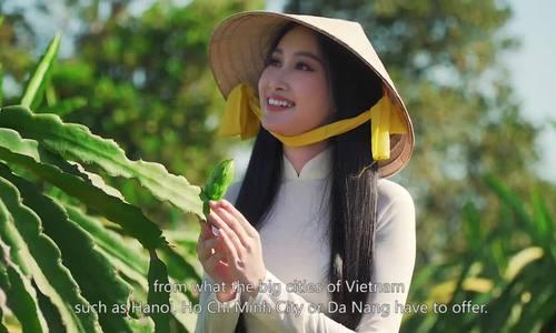Hoa khôi Đoàn Hồng Trang giới thiệu vẻ đẹp Bình Thuận