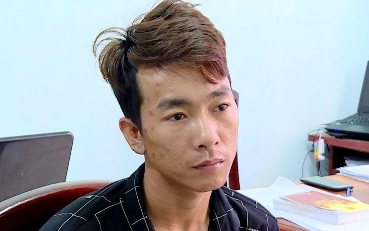 Bình Em tại cơ quan công an TP Vũng Tàu. Ảnh: Quang Bình.