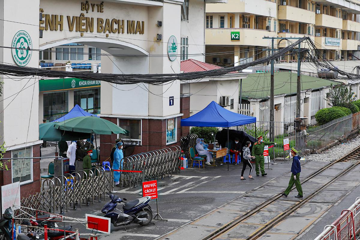 Bệnh viện Bạch Mai được ghi nhận là ổ dịch trên địa bàn Hà Nội thời gian qua. Ảnh: Ngọc Thành.