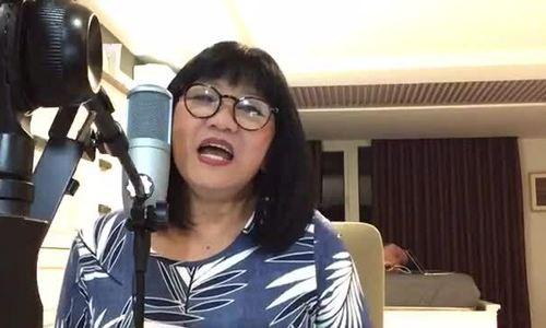 Cẩm Vân hát
