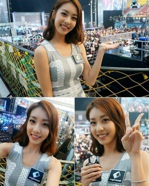 Tùy theo chương trình tham gia dẫn, Jo Eun Jung thay đổi phong cách ăn mặc cho phù hợp. Cô được đánh giá cao về gu thẩm mỹ, đặc biệt là gương mặt trang điểm nhẹ nhàng, dễ chịu.