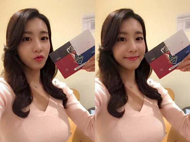 Giống như nhiều cô gái khác ở độ tuổi mình, Jo Eun Jung thường chia sẻ ảnh selfie trên mạng xã hội.