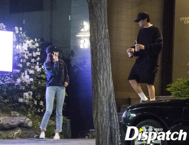 Jo Eun Jung và So Ji Sub bị bắt gặp hẹn hò năm 2019, khi cả hai vào một tiệm cafe của Hannam Dong.
