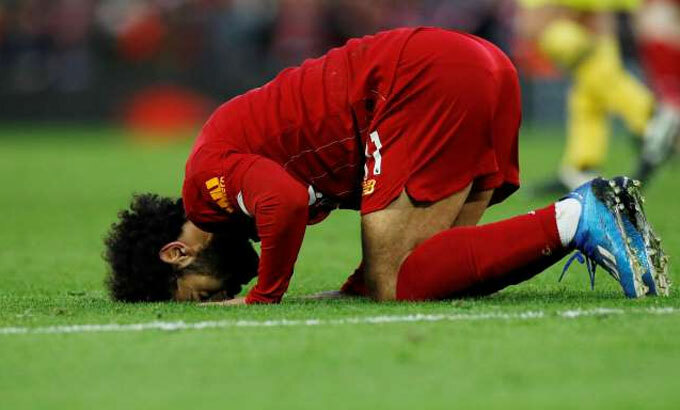 Salah và đồng đội đối mặt với nguy cơ trở về vạch ban đầu khi đã ở rất gần đích nhắm. Ảnh: Reuters.
