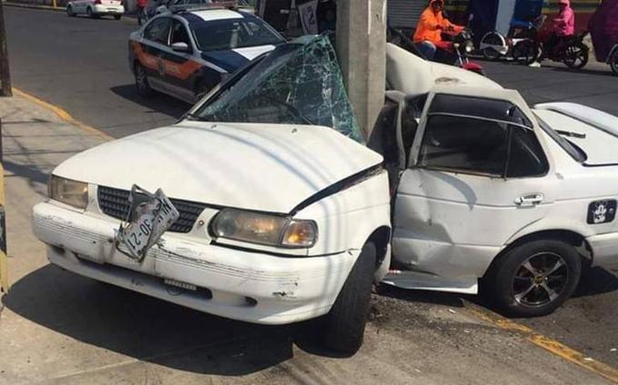 Ôtô gãy gập và điểm bị tác động mạnh nhất chính là vị trí ghế lái. Ảnh: Municipal Police