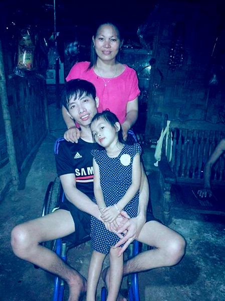 Gia đình nhà anh Vịnh, chị Hoa và con gái năm nay đã tròn 7 tuổi. Ảnh: Nhân vật cung cấp.