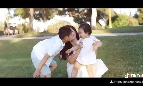 Ca sĩ Nguyễn Hồng Nhung và hai con