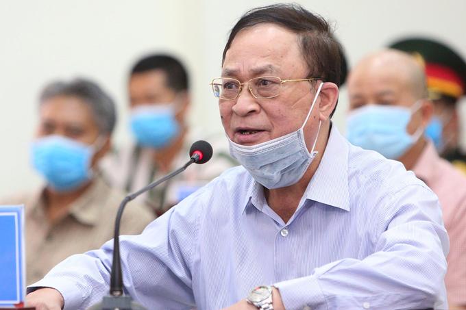 Đô đốc Nguyễn Văn Hiến trong phiên toà sáng 18/5. Ảnh:Toà án Quân sự Thủ đô.