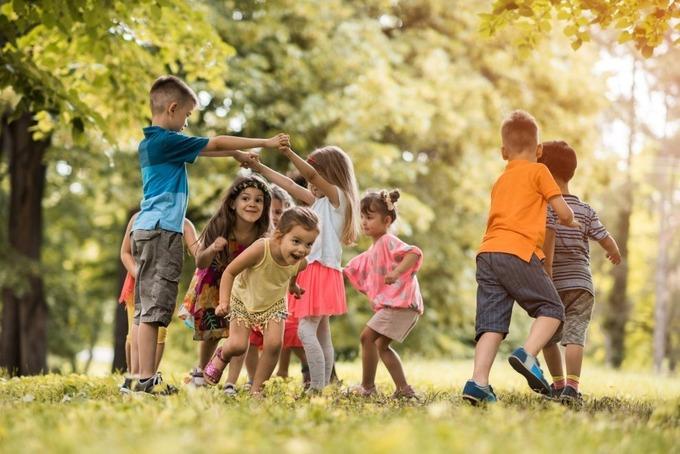 Với trẻ, chơi cũng là một môn thể thao. Ảnh: Parent.com.