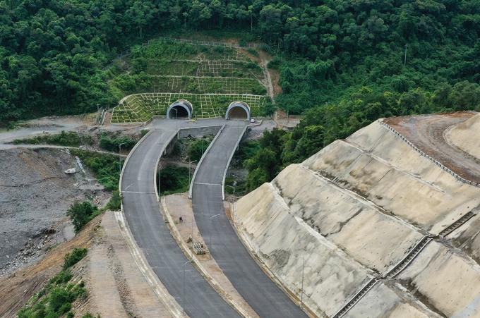 Cao tốc La Sơn - Túy Loan nối tỉnh Thừa Thiên Huế với TP Đà Nẵng. Ảnh:Võ Thạnh.