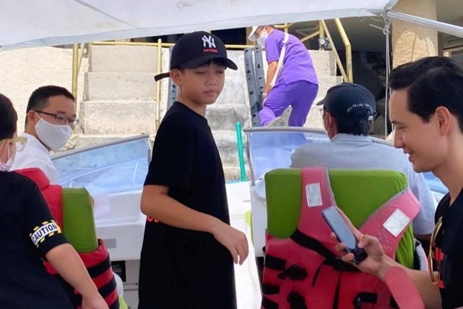 Subeo cũng được mẹ dẫn theo. Ở tuổi lên 10, cậu bé mê du lịch, thường đi du lịch nhiều nơi với mẹ Hà hoặc bố Cường.