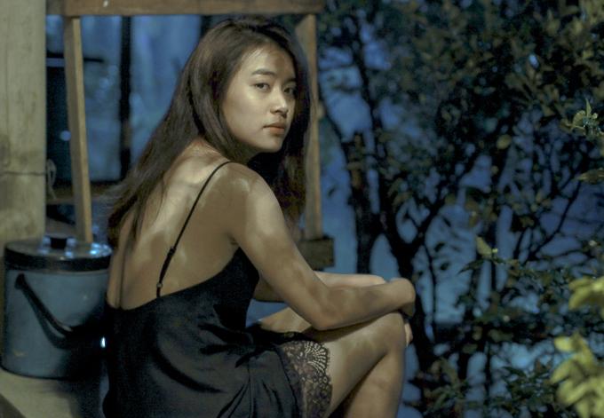 Tạo hình Hoàng Thùy Linh trong phim mới. Ảnh: CGV.