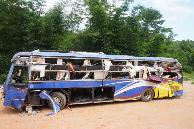 Ôtô gây tai nạn đã được đưa về Trạm bảo vệ rừng Đăk Rơ Mao. Ảnh: Trần Hóa.