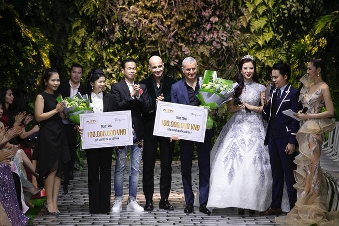 Bà Bích Trần (ngoài cùng bên trái) thay mặt Tiên Nguyễn đại diện quỹ Vì cộng đồng IPP góp 200 triệu đồng.
