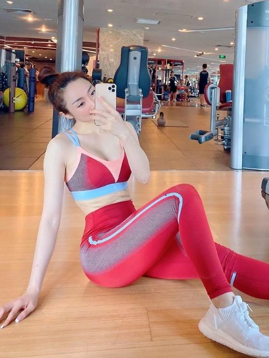 Kinh doanh lĩnh vực làm đẹp nên Lý Thùy Trang rất chú ý luyện tập, giúp duy trì sắc vóc tươi trẻ. Bên cạnh gym, cô đặc biệt yêu thích các bộ môn bơi lội, boxing, đạp xe.