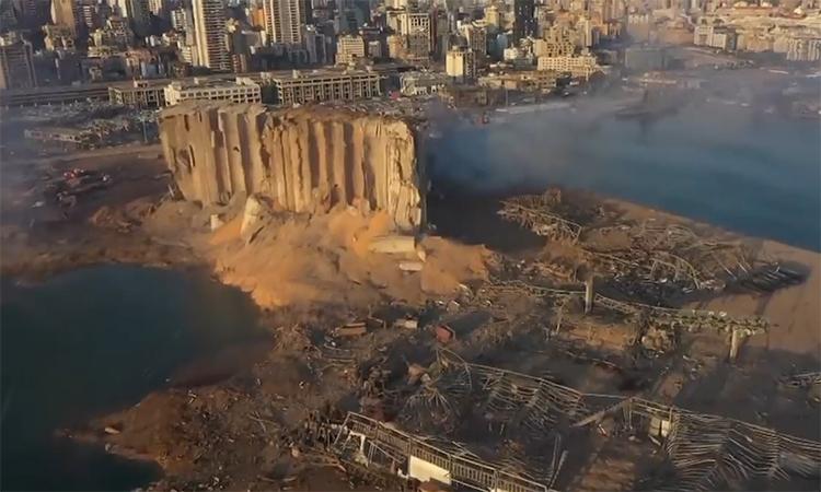 Beirut tan hoang sau vụ nổ như bom nguyên tử