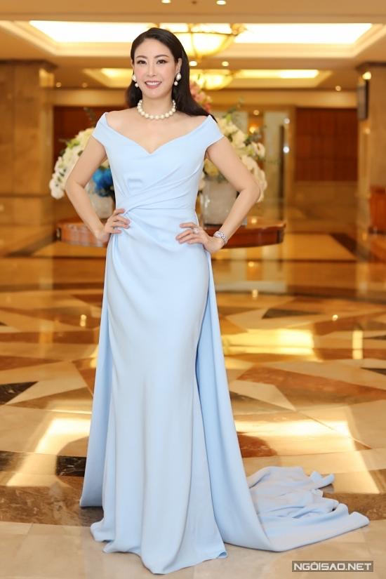 Hoa hậu Việt Nam 1992 Hà Kiều Anh chọn trang sức ngọc trai,