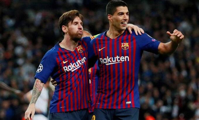 Messi và Suarez là hai trong ba cầu thủ ghi bàn nhiều nhất trong lịch sử Barca. Ảnh: Reuters.