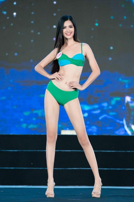 Nguyễn Thị Thu Phương - Người đẹp Kinh Bắc 2019 thuộc nhóm thí sinh có màn trình diễn tốt ở tối 10/10. Cô cao 1,73m, số đo 82-62-90 cm.