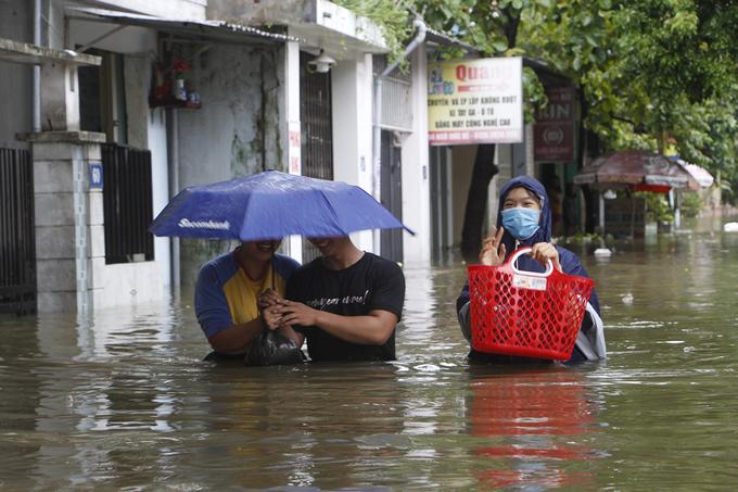 Khu vực nội thành trong Kinh thành  Huế ngập sâu. Ảnh: Võ Thạnh