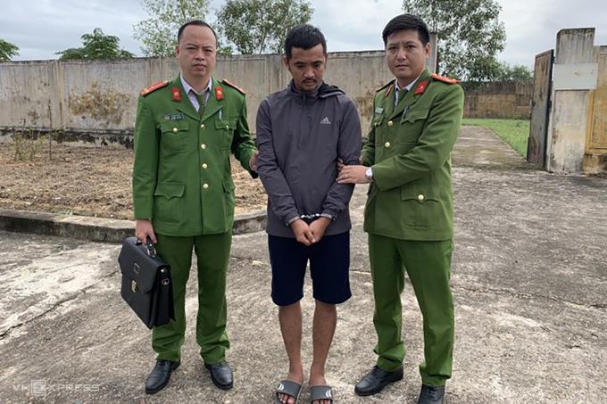Trí bị bắt giữ sau 8 tháng lẩn trốn. Ảnh: Trần Tuấn