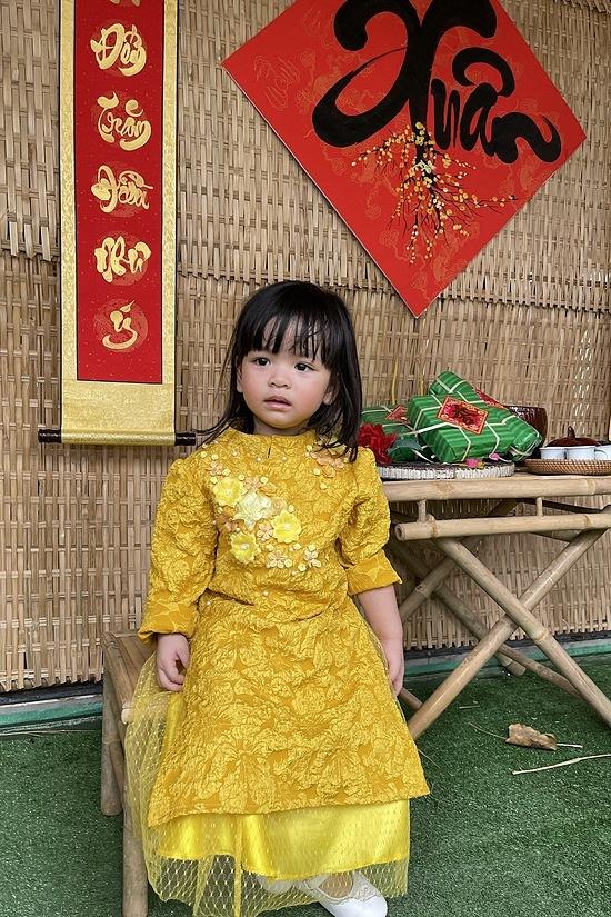 Đạo diễn Hoàng Nhật Nam quây quần bên vợ và ba con - 12