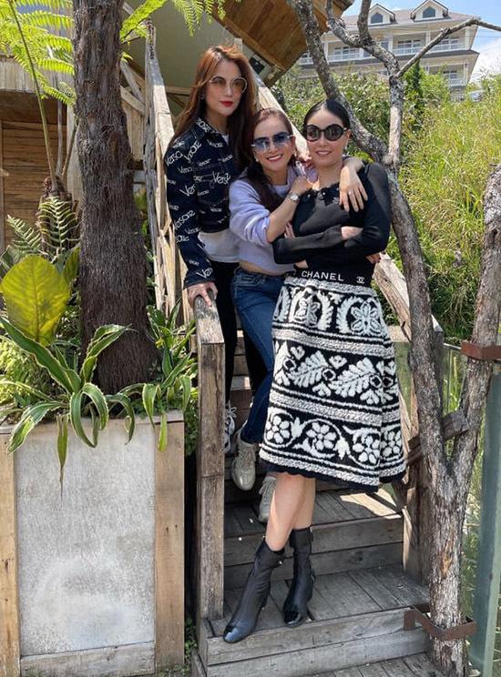 Ba người đẹp hiện là những nữ doanh nhân thành đạt, được nhiều khán giả yêu mến, ngưỡng mộ.