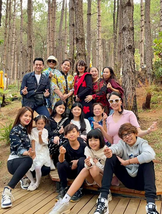 Trương Ngọc Ánh đi du lịch cùng mẹ, con gái và bạn trai tin đồn - 20