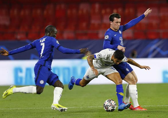 Chelsea thua Porto nhưng vẫn vào bán kết Champions League - Ảnh 1.