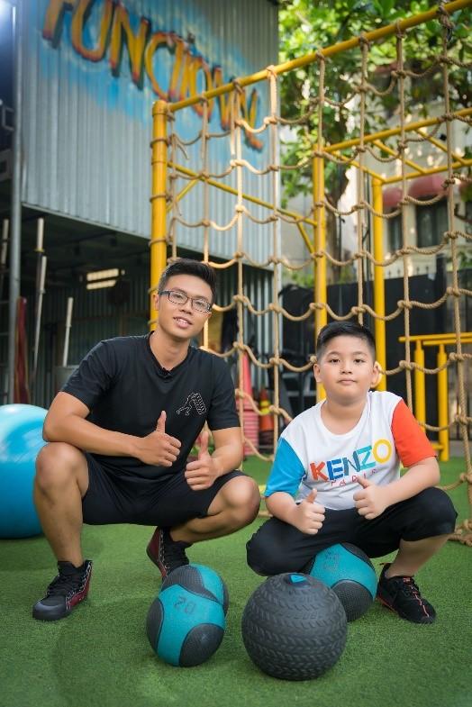 Tập gym giúp trẻ sản sinh hormone hạnh phúc.